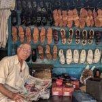jualan sepatu sandal pasar malam